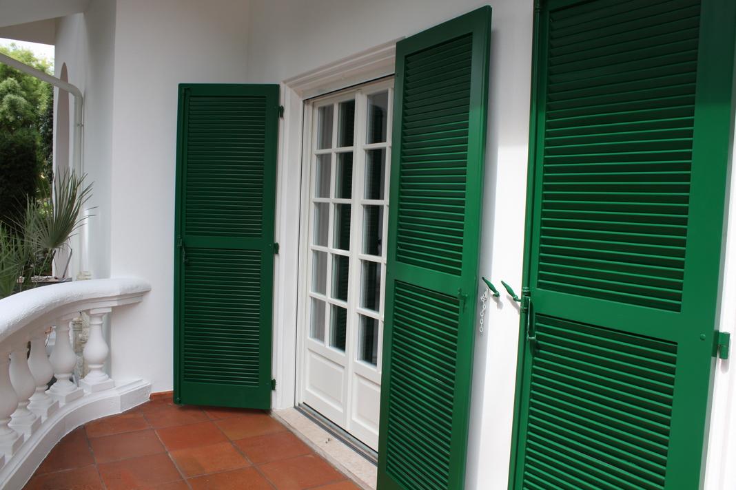 Finestre in legno con vetro stile inglese che finestre - Finestre in legno con doppio vetro ...